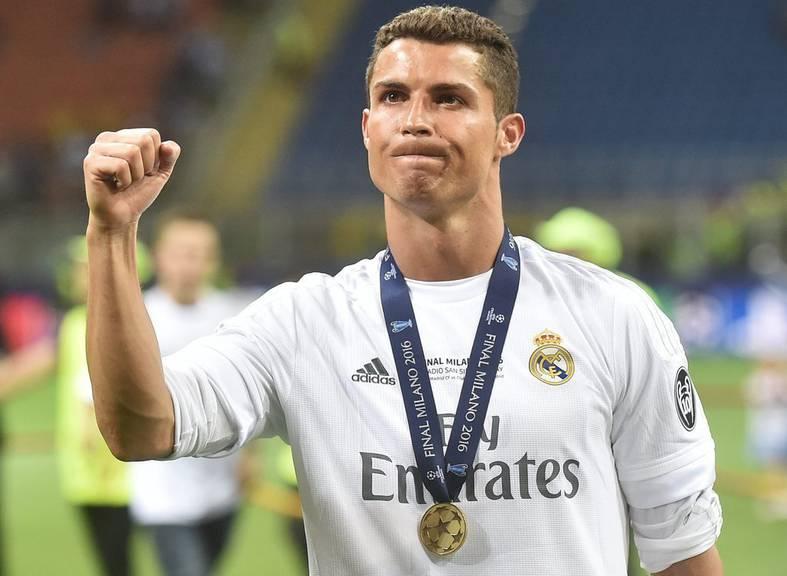 Ronaldo zeigt sich nach dem CL-Sieg stolz