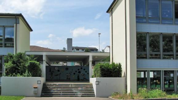 Schulhaus Schönthal in Füllinsdorf.