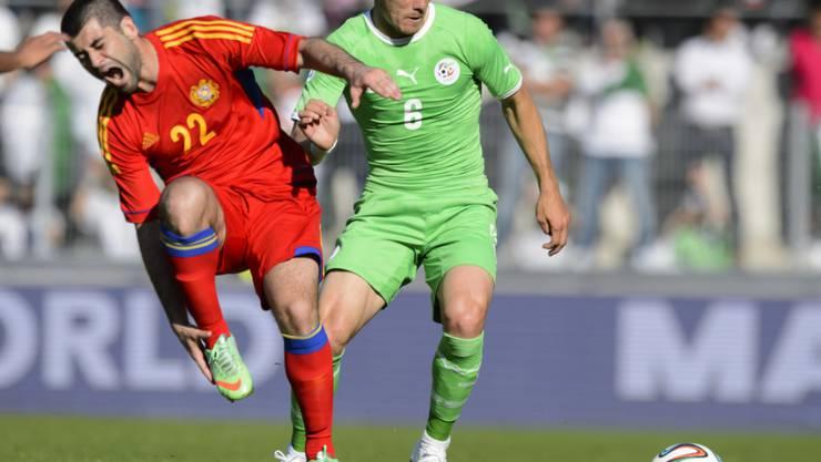 Djamel Mesbah (rechts) kehrt in die Super League zurück und spielt fortan für Lausanne