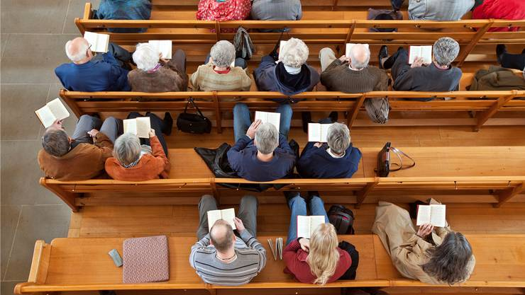 Die reformierte Pfarrerin und der katholische Theologe an der Predigerkirche verantworten gemeinsam und ökumenisch die «offene Seelsorge».(Symbolbild). KEY