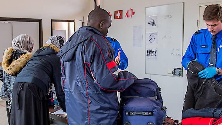 Die Zahl der Asylgesuche von Eritreerinnen und Eritreern ist im Juli gegenüber der Vorjahresperiode deutlich gesunken. (Symbolbild)