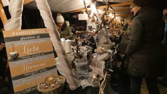 Am 24. Weihnachtsmarkt beim Waldhaus genossen im letzten November zahlreiche Besucher die stimmungsvolle Marktatmosphäre.
