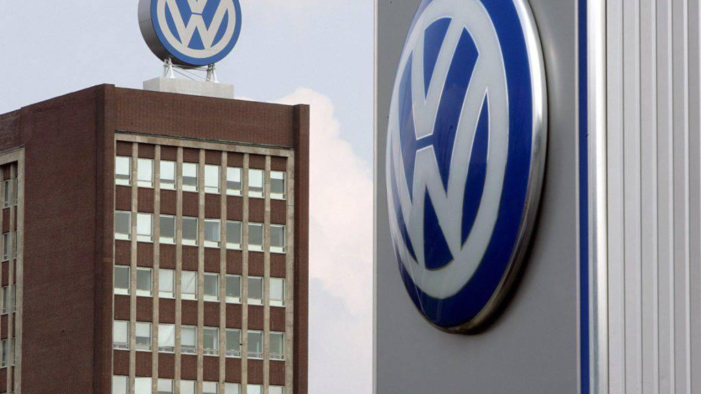 Wegen Abgasmanipulationen zahlt VW 4,3 Milliarden Dollar Bussgeld. Der Konzern räumt den Betrug an Behörden und Kunden über die Emissionen von knapp einer halben Million Dieselfahrzeugen von Mai 2006 bis November 2015 ein. (Archiv)