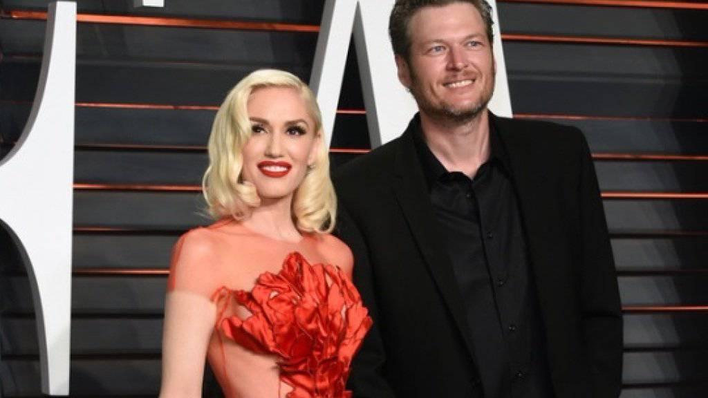 Gwen Stefani mit ihrem neuen Partner Blake Shelton bei den diesjährigen Oscars. Auch ein Jahr nach der Trennung von Gavin Rossdale hat sie den Schock noch nicht überwunden (Archiv).