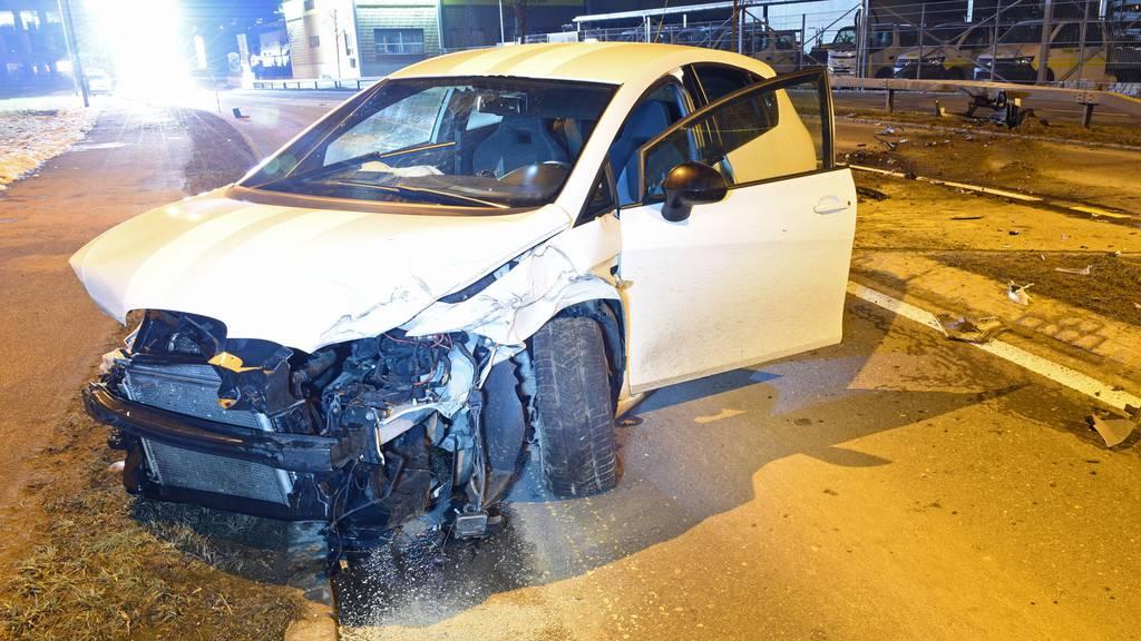 Massive Auffahrkollision in Willisau: zwei Autos Schrott
