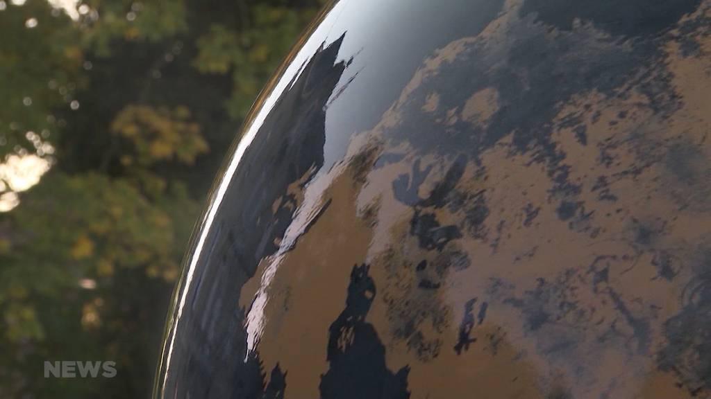 Aussergewöhnliches Angebot auf Ricardo: Weltkugel-Brunnen des Kursaal Bern wird versteigert