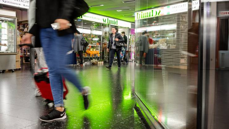 Mit den Ladenflächen unterhalb des Bahnhofs will die Stadt mehr Geld verdienen.
