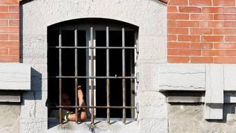 Zwei Untersuchungshäftlinge sind ausgebrochen. (Symbolbild)