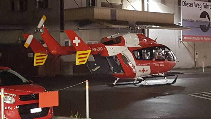 Dieser Rettungshelikopter musste einen schwer verletzten Mann ins Spital fliegen.