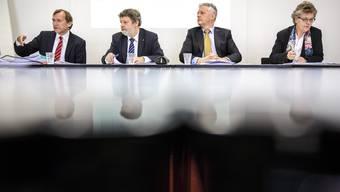 Steuervorlage auf Kurs: Finanzchef Andreas Bühlmann, Finanzdirektor Roland Heim, Steueramt-Chef Marcel Gehrig, Susanne Koch Hauser, Fiko-Präsidentin.