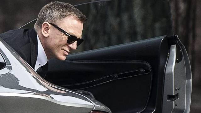 Daniel Craig bekam den holprigen Asphalt Roms zu spüren (Archiv)