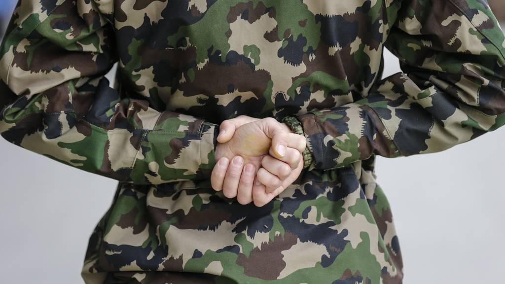 Immer mehr wollen Militärdienst als Durchdiener machen