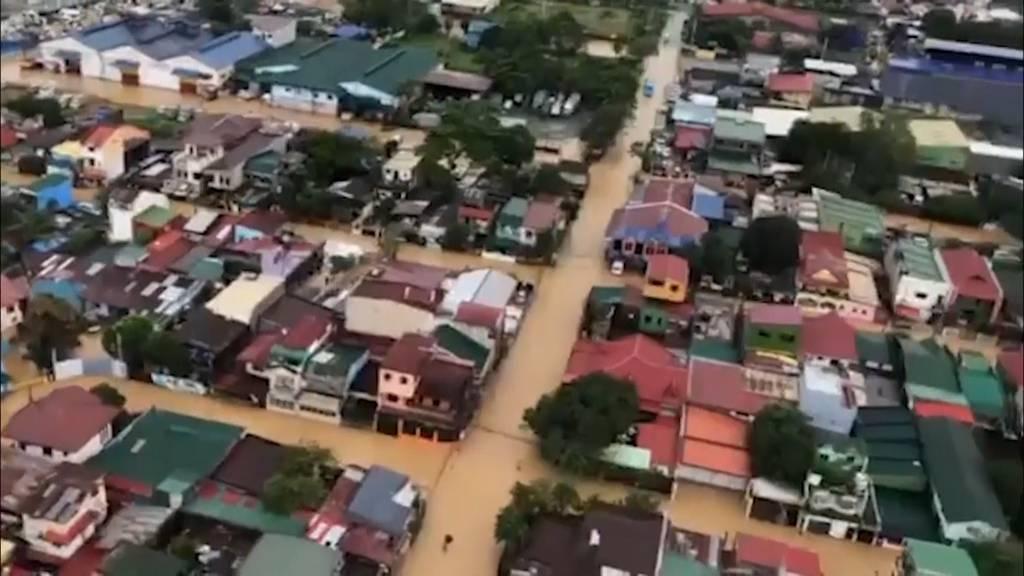Taifun fordert 14 Tote - Millionen Menschen ohne Strom