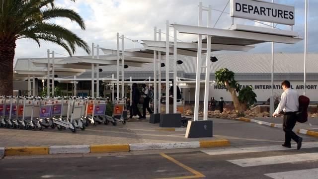 An diesem Flughafen in Namibia wurde das verdächtige Gepäckstück sichergestellt (Archiv)