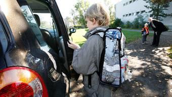 Seit Schulbeginn waren in Solothurn wieder vermehrt Elterntaxis unterwegs. Manche davon zu schnell.