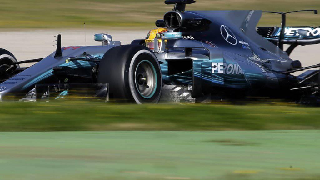 Lewis Hamilton war am ersten Formel-1-Testtag des Jahres in seinem Mercedes der überlegene Fahrer