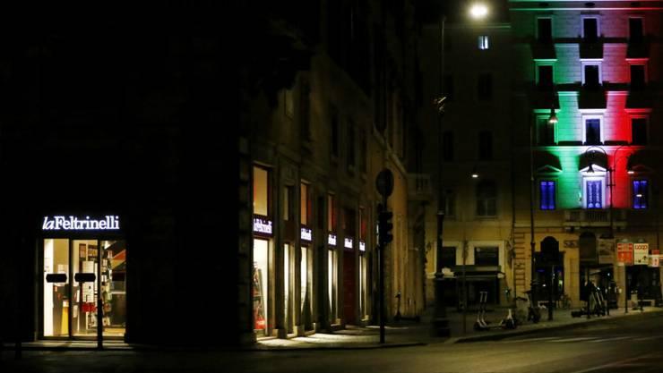 Am ersten Abend der neuen Ausgangssperre Anfang November sind die Straßen in Rom leer. Foto: Cecilia Fabiano/LaPresse via ZUMA Press/dpa