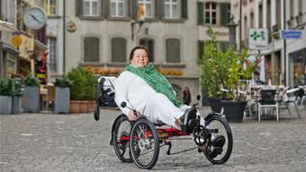 Das Spezialrad sichert Beatrice Wyss trotz ihrer Multiple-Sklerose-Erkrankung heute noch ein lebenswichtiges Stück Mobilität. Emanuel Freudiger
