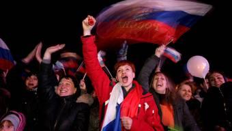 Auf der Halbinsel Krim wird das Wahlergebnis gefeiert