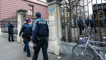 Am Basler Strafgericht war auch die Polizei präsent.