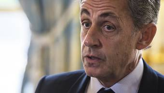 In der Affäre um illegale libysche Wahlkampfspenden ist Frankreichs Ex-Präsident Nicolas Sarkozy der Korruption beschuldigt worden. (Archivbild)