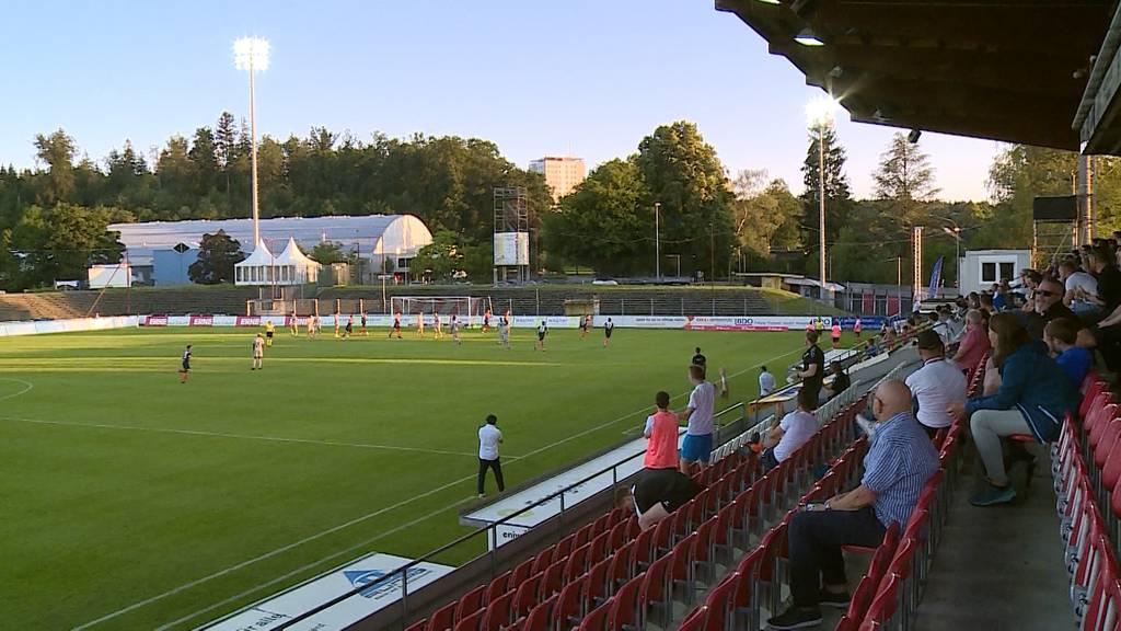 Erstes Heimspiel für den FCA seit der Corona-Pause: Ausgewählte Fans waren mit dabei