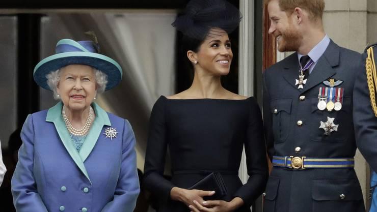 Harry und Meghan bereiten der Queen Kopfzerbrechen. (Archivbild)