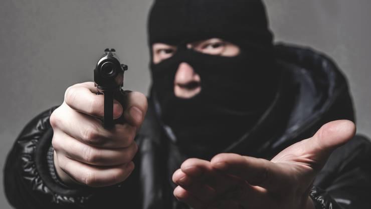 Drei maskierte Männer haben in Zwingen versucht eine Post auszurauben. (Symbolbild)