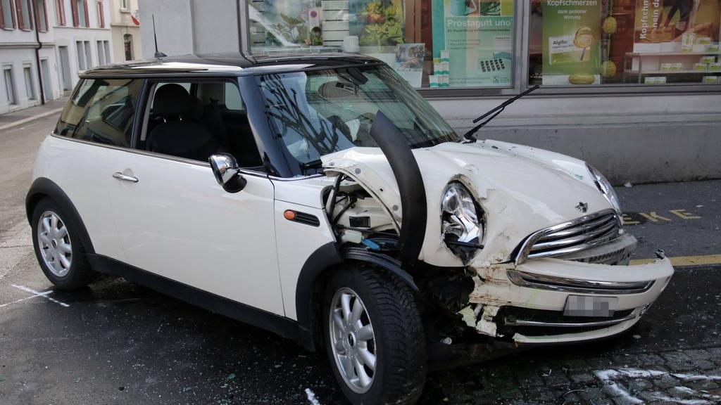 Das in Mitleidenschaft gezogene Auto der 74-jährigen Lenkerin.