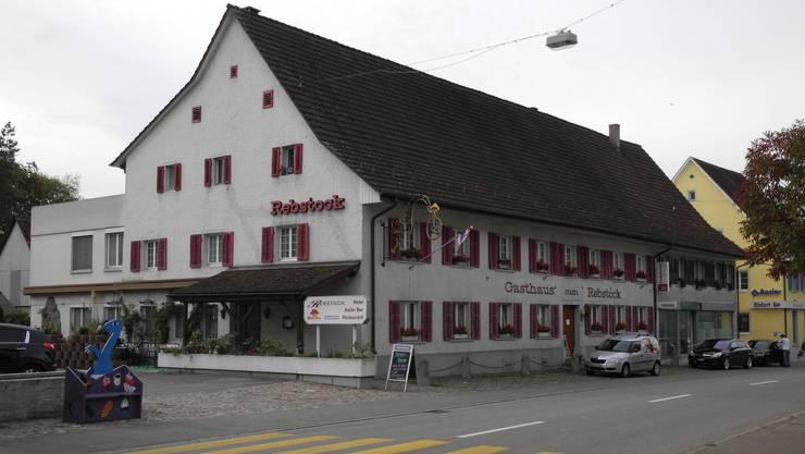 Der «Rebstock» in Frick wird umgebaut. Im Oktober eröffnet Samet Rustemi seine Pizzeria. (Archiv)