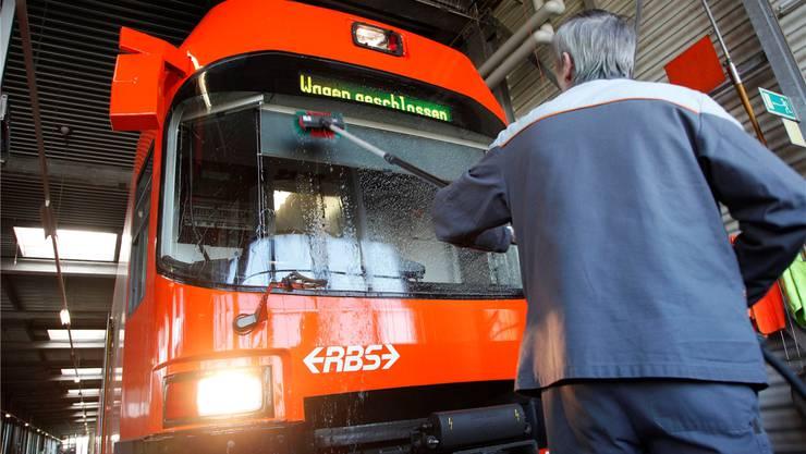 Der RBS will direkt beim Bahnhof in Bätterkinden ein Bahndepot bauen. Archiv/SZ