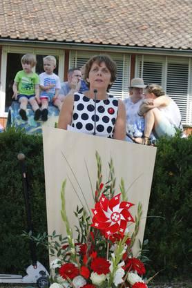 Stadtpräsidentin Jolanda Urech begrüsst rund 450 Gäste.