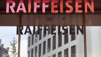 Der langjährige Anwalt von Ex-Raiffeisen-Chef verlässt internationale Topkanzlei.