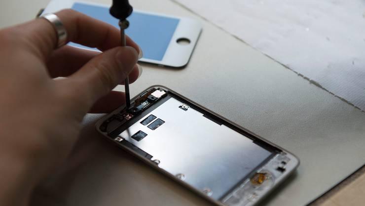 Die Konsumentenschutz-Allianz möchte die Einführung von Reparatur-Labels für Elektrogeräte voranbringen. (Symbolbild)