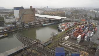 Der Unfall ereignete sich im Hafenbecken 1. (Archiv)