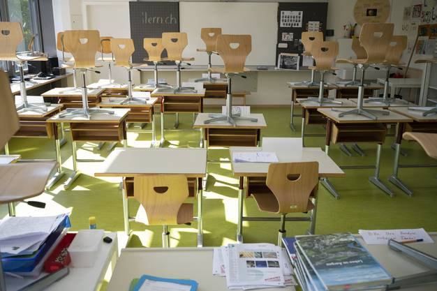 Während des Fernunterrichts sind die meisten Klassenzimmer leer.