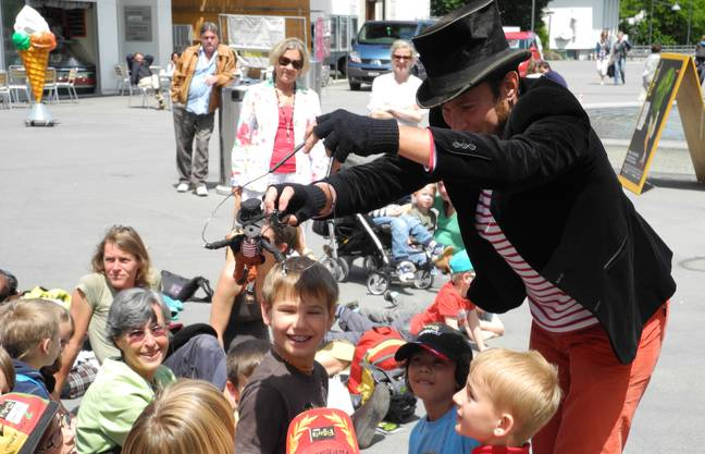 Akkord der Holzköpfe am Figura Theaterfestival Baden