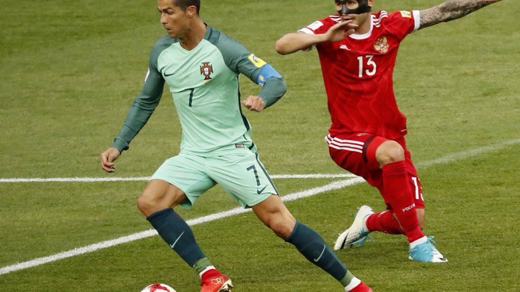 Cristiano Ronaldo (am Ball) strebt eine Einigung mit den Behörden an