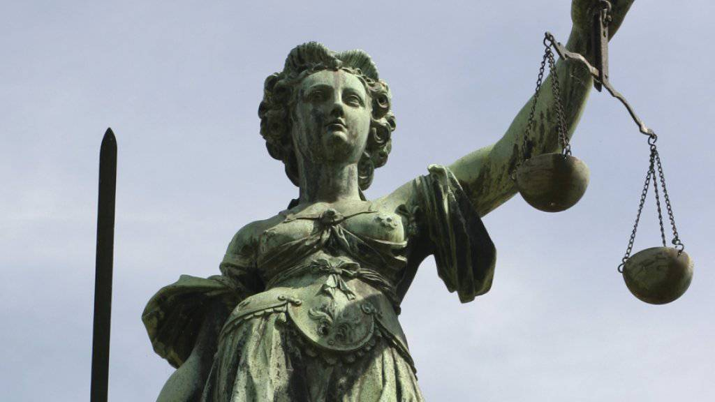 Justitia musste im vergangenen Jahr vermehrt über den Schweizer Arbeitsmarkt befinden (Archiv).