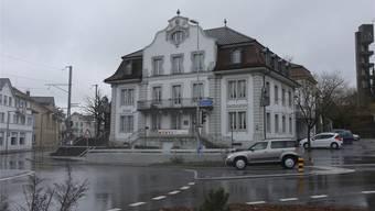 Seit 1986 gehört das ehemalige Hotel und Restaurant Löwen der Gemeinde (Archiv)