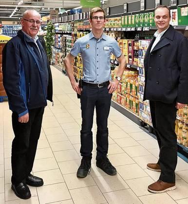Gemeindeammann Josef Brem, Filialleiter Sascha Balmer und Gemeindeschreiber Urs Schuhmacher (von links).