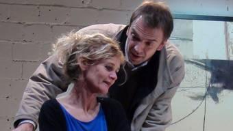 Zu klischeehaft gespielt: Hanna Scheuring und Alexandre Pelichet.