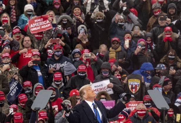 Wahlkampf-Rallye in Michigan: Hunderte solcher Massenveranstaltungen hat Trump in den vergangenen vier Jahren durchgeführt.