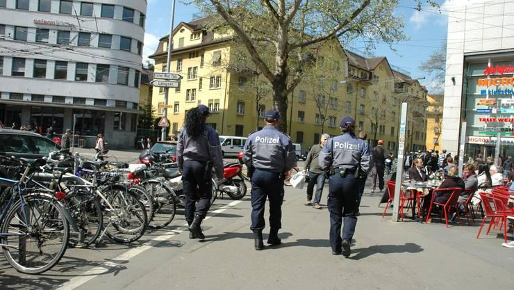 Die Stadtpolizei Zürich hatten am Samstag aufgrund unbewilligter Demonstrationen viel zu tun.
