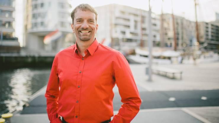 Sprachpapst Bastian Sick tourt durch die Schweiz.