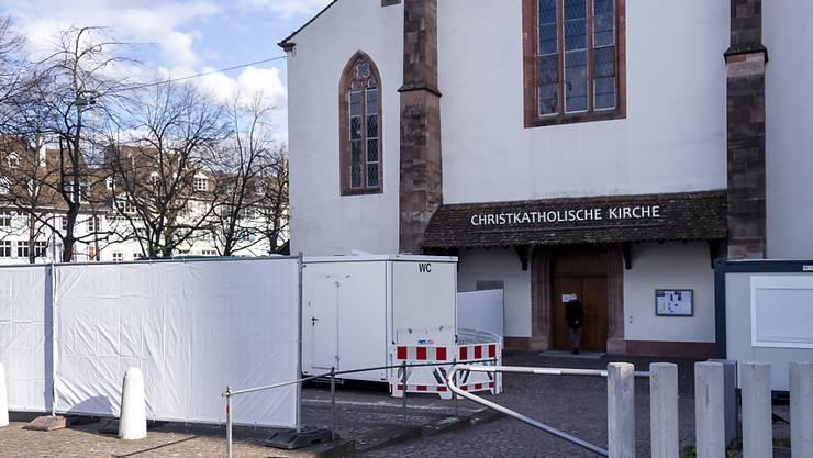 Die Anzahl Tests auf Sars-CoV-2 am Universitätsspital Basel sind deutlich weniger geworden. Deshalb ist das Testcenter Predigerkirche ab dem 28. Mai nur noch werktags offen.