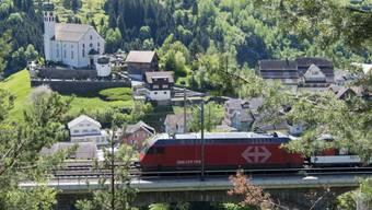 Ab Karfreitag wird die Gotthard-Strecke für Zugreisende attraktiver: Die SBB stellt einen Panorama-Zug auf.