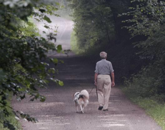 Raus mit dem Hund: das wünschen sich gerade viele.