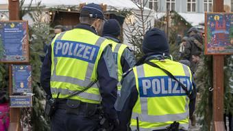 Die Basler Polizei erhält neue Uniformen – wie diese dereinst aussehen werden, ist noch völlig unklar.