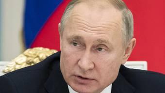 Die EU verlängerte wegen des Ukraine-Konflikts die Wirtschaftssanktionen gegen sein Land: Russlands Präsident Wladimir Putin. (Archivbild)